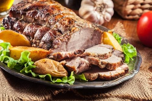 свиная шея в духовке в фольге