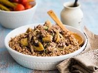 Гречка с грибами, луком и морковью на сковороде - простой и вкусный рецепт