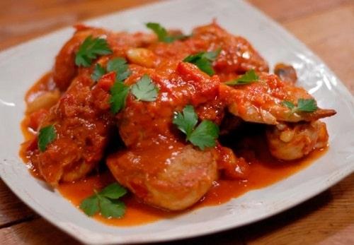 крылышки в томатном соусе на сковороде
