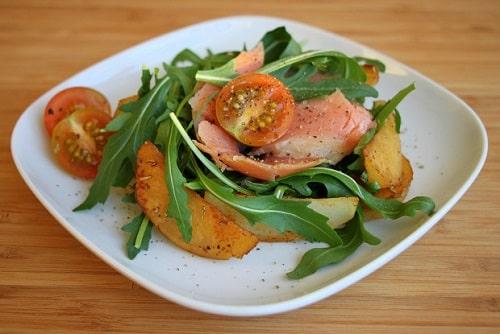 салат с форелью слабосоленой рецепт