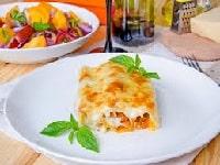 Каннеллони с фаршем в духовке - рецепт под соусом Бешамель, в сливках, томатном соусе
