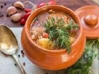 как приготовить жаркое из свинины в горшочках в духовке