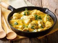 Курица в сливочном соусе на сковороде рецепт с фото