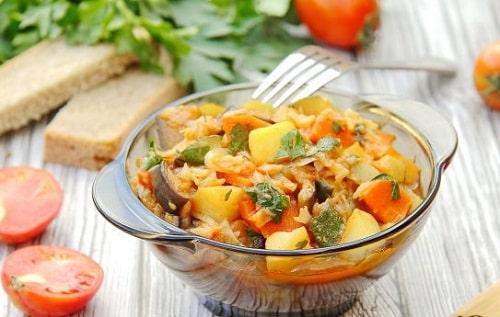 овощное рагу с кабачками и картошкой и баклажанами