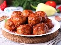 Фрикадельки в томатном соусе на сковороде - лучший рецепт