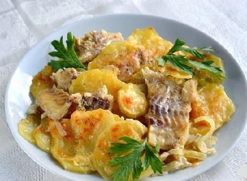 минтай с картошкой в духовке рецепт