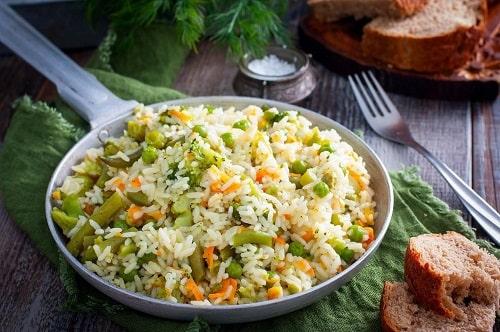 жареный рис с яйцом по-китайски