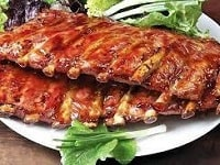 как приготовить свиные рёбрышки на мангале-min
