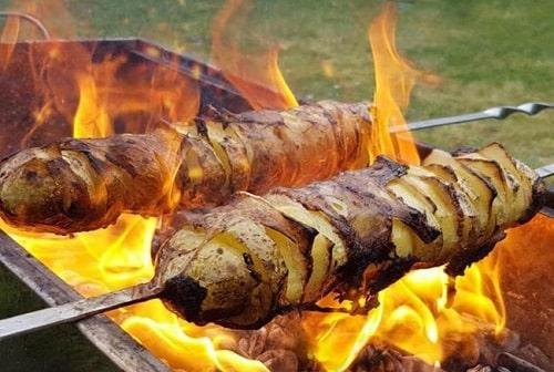 как пожарить картошку на мангале на решетке