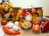 салат из помидоров огурцов и перца на зиму рецепты