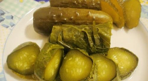 огурцы в листьях хрена рецепты