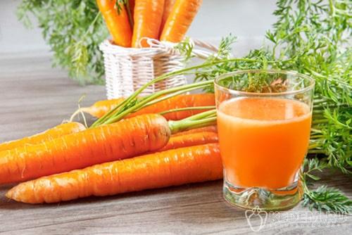 морковный сок на зиму с яблоками