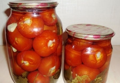 помидоры с чесноком внутри
