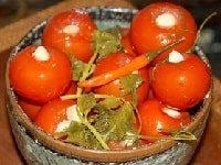 помидоры с чесноком внутри на зиму