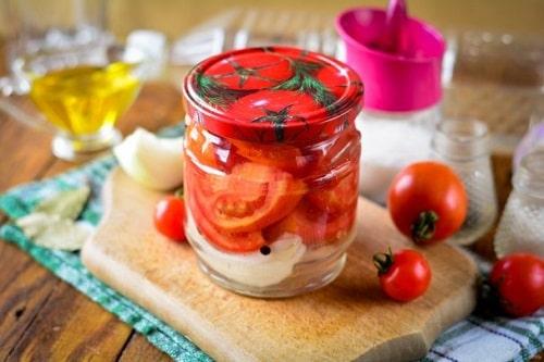 резаные помидоры на зиму