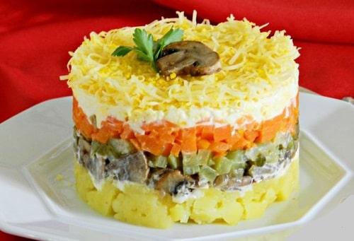 Салат с маринованными шампиньонами вкусный рецепт